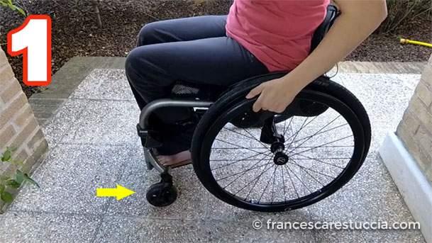 ruotine-anteriori-sedia-a-rotelle-sicurezza-raccogliere-oggetti