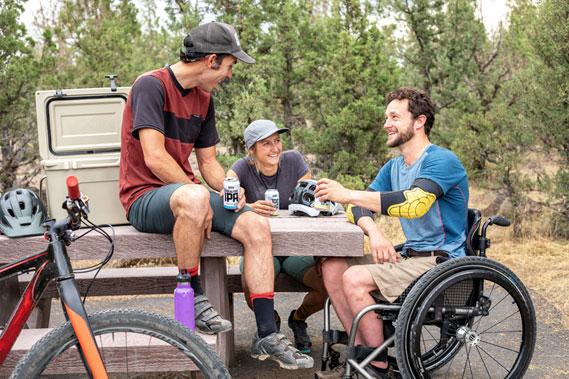 relazioni-sociali-carrozzina-disabili
