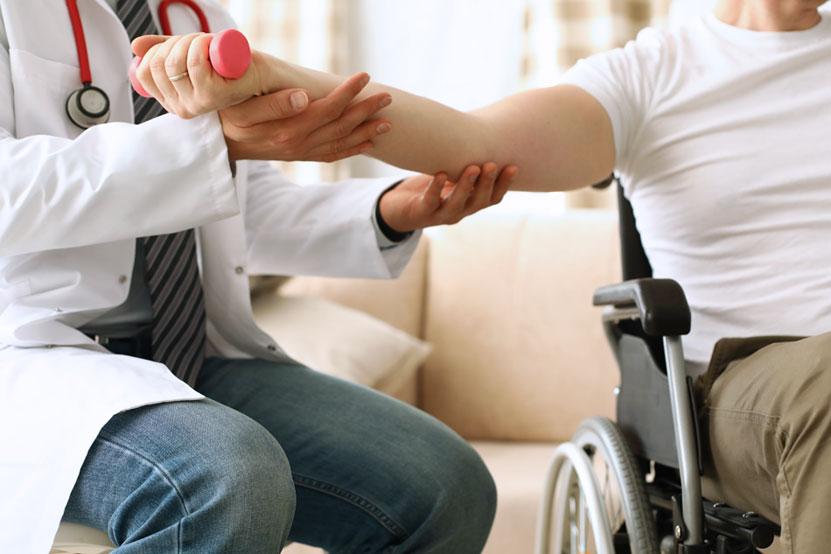 visita-ricovero-centro-riabilitazione-carrozzina